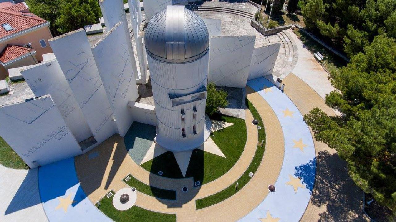 Outdoor birds-eye view on the Makarska Observatory